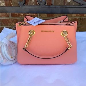 🤩Brand new with tags Authentic Michael Kors purse